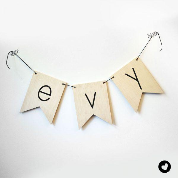 vlaggetjes-hout-lettertype-2